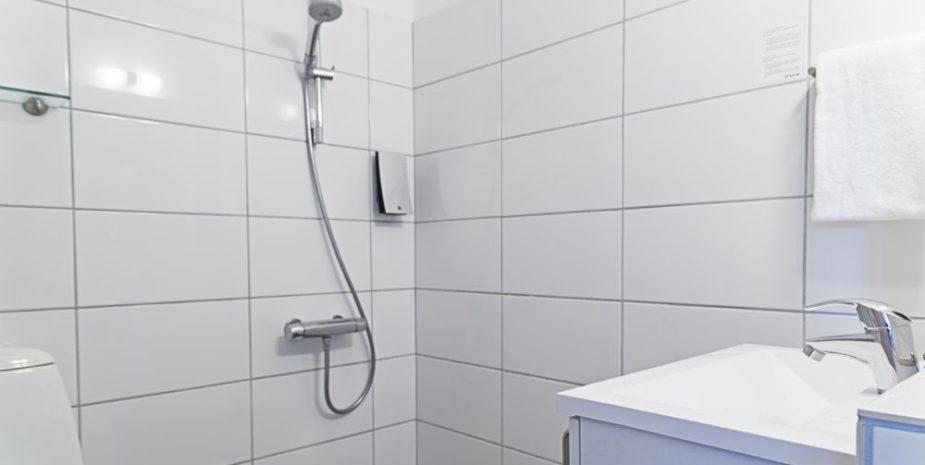 Badeværelse i dobbeltværelse Hotel Balka Strand